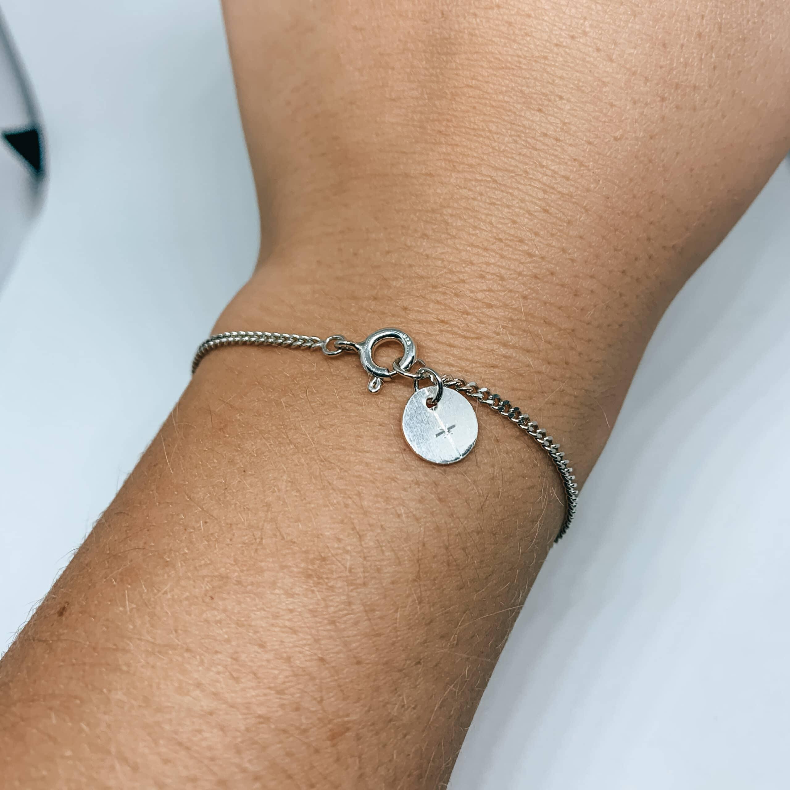 Simpele armband met hanger
